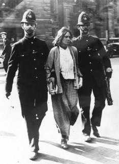suffragette_arrest_london_1914.jpg
