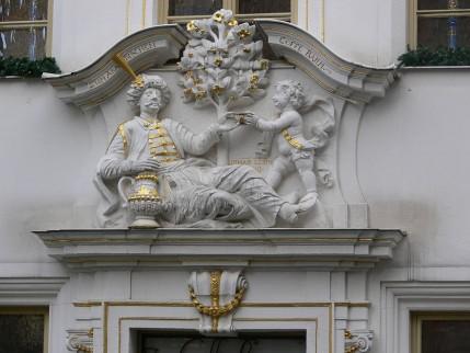 Reliëf boven de ingang van museum en koffiehuis Coffe Baum, Leipzig