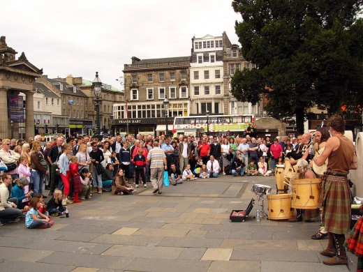 Street musicians in Edinburgh