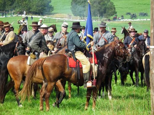 Ruiters tijdens de reenactment van de Slag bij Gettysburg, 2013