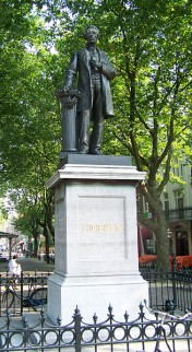 Standbeeld Thorbecke in Amsterdam (Thorbeckeplein)