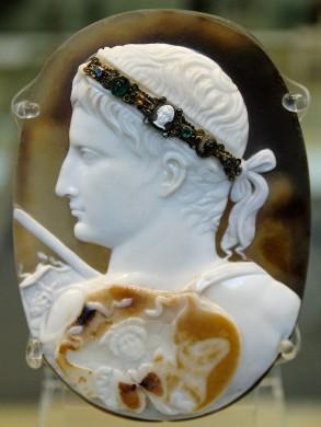 Portret van de keizer Augustus in sardonyx, de zogenaamde 'Blacas Cameo'