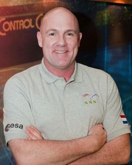 André Kuipers poseert voor een portret voor zijn tweede missie in 2011