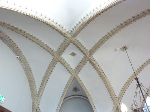 Gewelf over de Cuyperszaal in het Cuypershuis te Roermond met dezelfde structuur als de koepel van de nieuwe Bavo (bvhh.nu 2013).