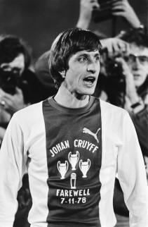 Afscheidswedstrijd Johan Cruyff , Ajax tegen Bayern Munchen 0-8; Johan Cruyff in afscheidsshirt