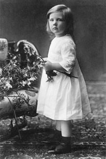 Jeugdfoto van koningin Juliana