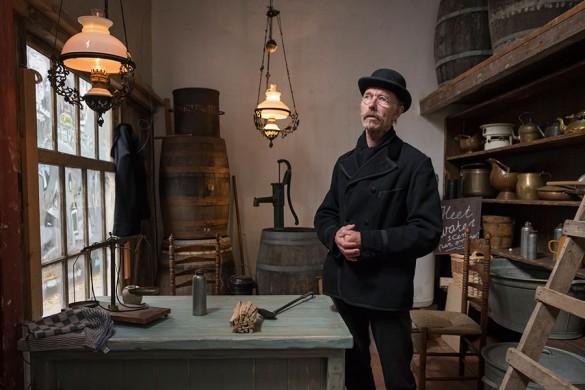 Help Lambertus in zijn warm water en vuur winkel - Winter in het Openluchtmuseum
