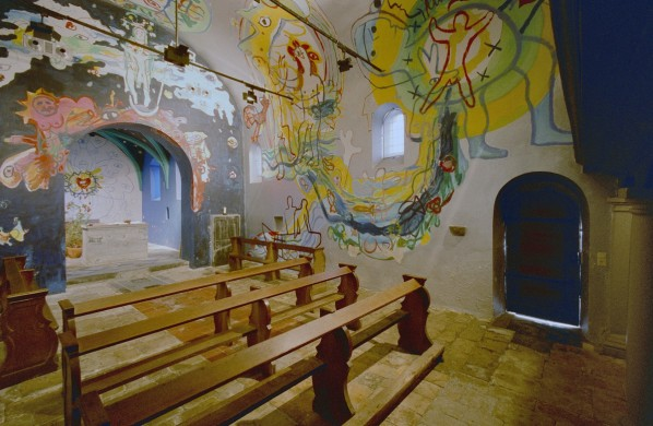 De schilderingen van Hans Truyen in het zaalkerkje van Oud-Lemiers. Beeldbank Rijksdienst Cultureel Erfgoed-L.M. Tangel.