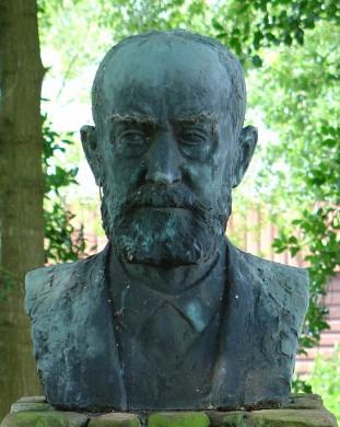 Buste van Jacob Elema in Marwijksoord