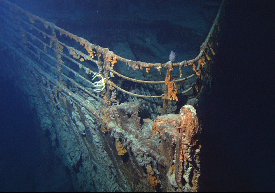 De Titanic RMS op de bodem van de zee