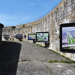 Luchtfoto's in de droge gracht van het Fort aan het Pampus.