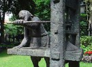 Standbeeld Gerard Leeu, Willem vroesentuin, Gouda