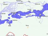 Provinciekaart van Brabant met donkerblauwe inundatiegebieden en zwarte stippen die de forten aangeven in de Zuiderwaterlinie